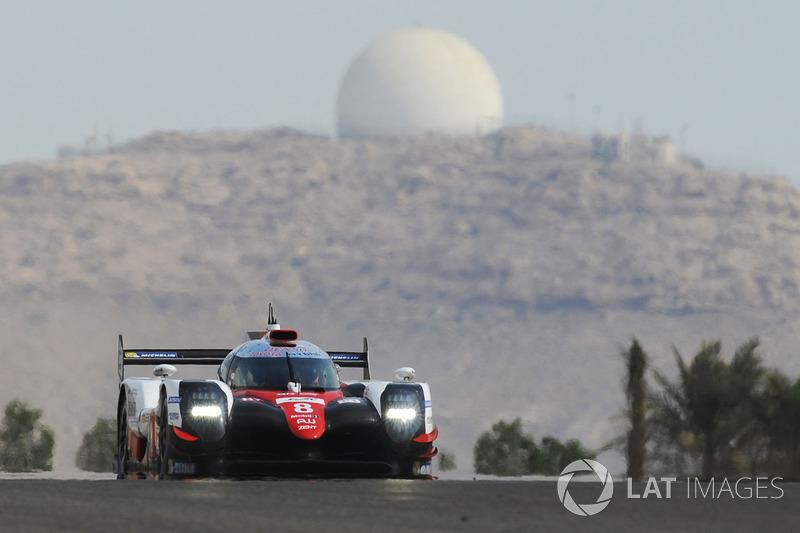Sus primeras vueltas con el #8 Toyota Gazoo Racing Toyota TS050-Hybrid
