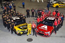 Matt Kenseth, Joe Gibbs Racing Toyota, Dale Earnhardt Jr., Hendrick Motorsports Chevrolet