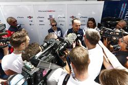Robert Kubica, Williams Martini Racing, podczas wywiadów