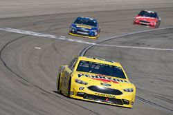 Joey Logano, Team Penske, Ford Fusion Pennzoil, David Ragan, Front Row Motorsports, Ford Fusion Spee
