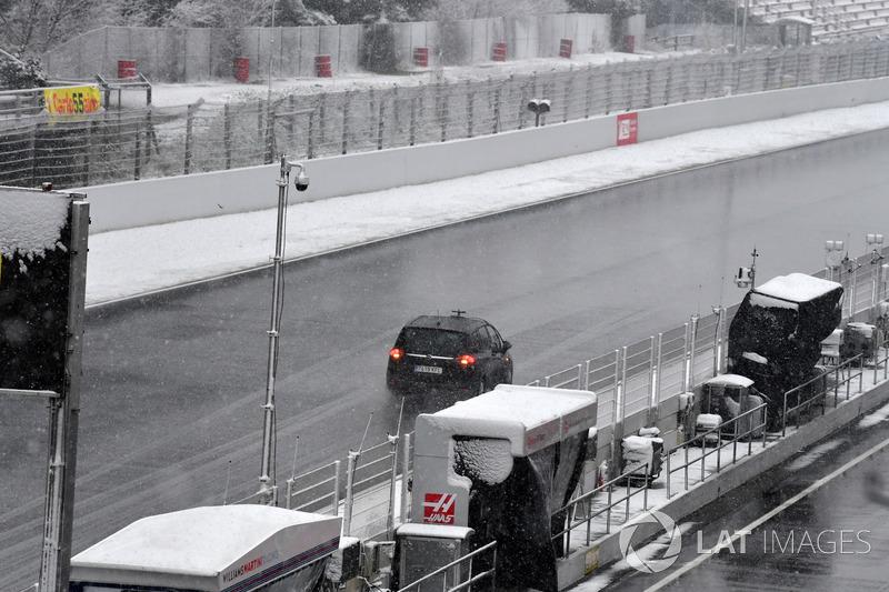 Reconocimiento del estado del Circuit de Barcelona tras la nevada caída