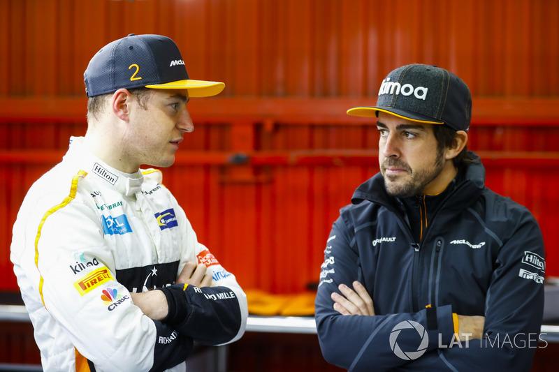 Depois o belga - que fez o terceiro melhor tempo - conversou com Fernando Alonso