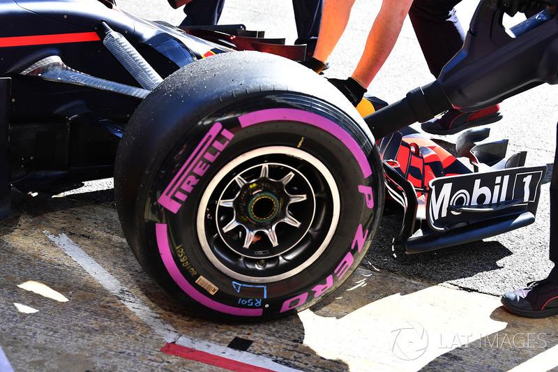 Переднее колесо Red Bull RB14