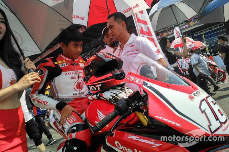 AP250: Mario Suryo Aji, Astra Honda Racing Team dan Anggono Iriawan, Senior Manager Safety Riding and Motorsport of PT Astra Honda Motor