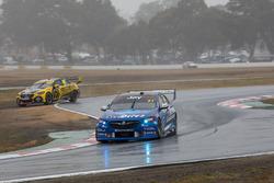 Lee Holdsworth, Charlie Schwerkolt Racing Holden, runs wide