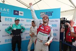 Daniel Abt, Audi Sport ABT Schaeffler, fête sa pole position