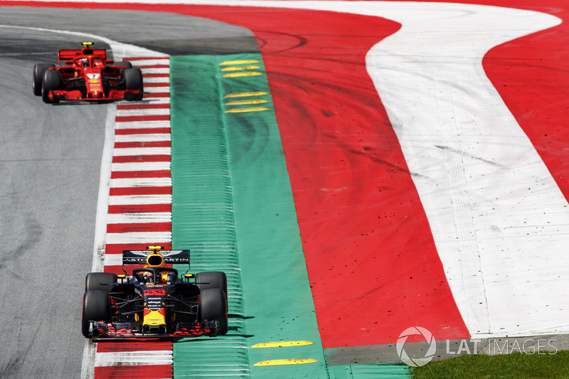 Raikkonen reports contact with Verstappen
