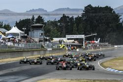 Start van de Toyota Racing Series-race in Ruapuna, Nieuw-Zeeland