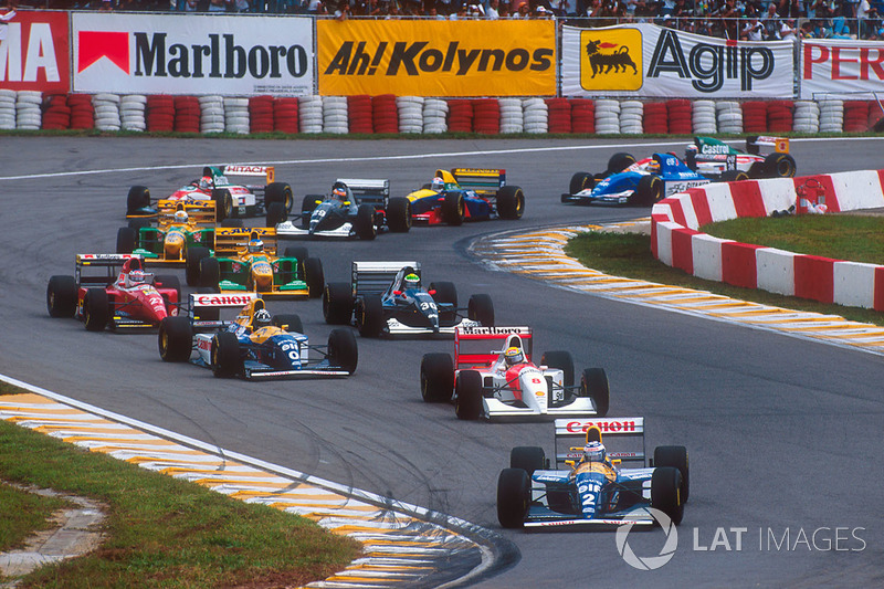 Arrancada: Alain Prost, Williams FW15C, lidera a Ayrton Senna, McLaren MP4/8