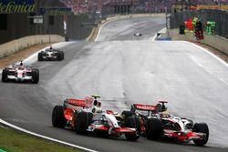 Giancarlo Fisichella, Force India F1 VJM01, Lewis Hamilton, McLaren Mercedes MP4/23