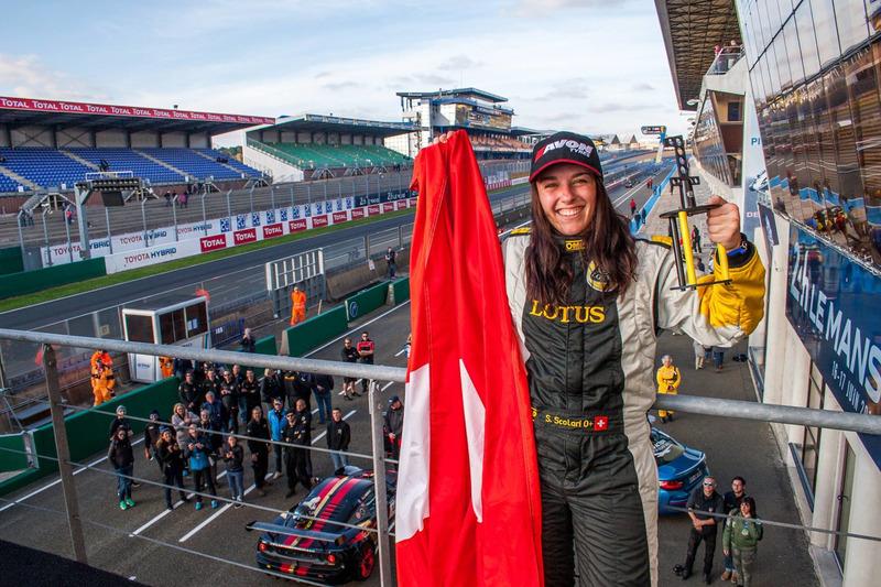 Sharon Scolari sul podio a Le Mans