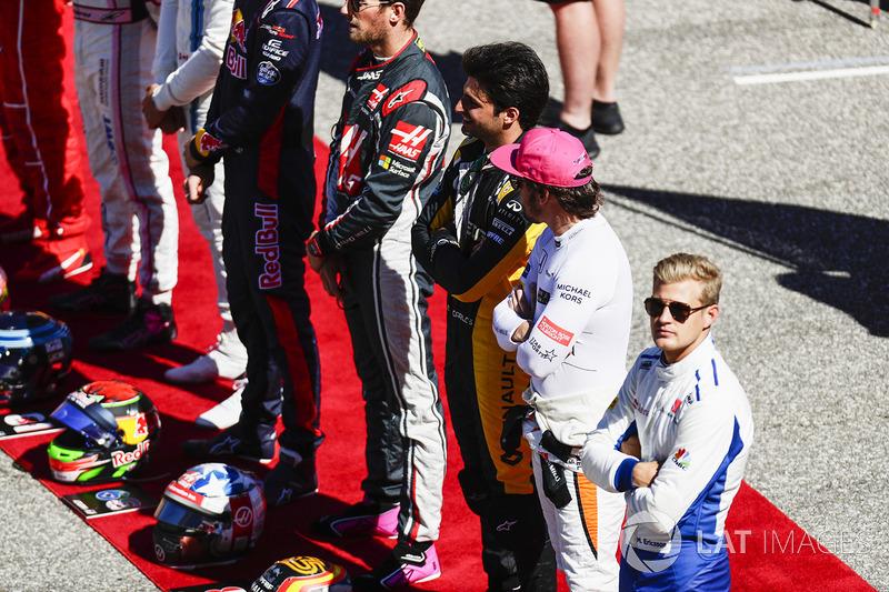 Карлос Сайнс-мл., Renault Sport F1 Team, Фернандо Алонсо, McLaren, и Маркус Эрикссон, Sauber