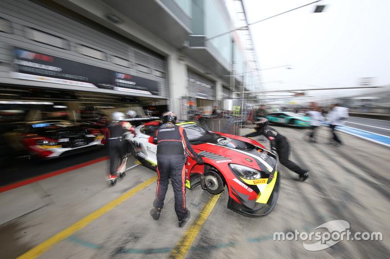 #87 AKKA ASP, Mercedes-AMG GT3: Maurice Ricci, Jean-Luc Beaubelique, Gilles Vannelet