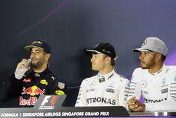 Calificación tres primeros en la Conferencia de prensa FIA:Daniel Ricciardo, Red Bull Racing, segund
