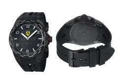 Ferrari saati