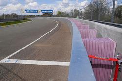Las curvas Porsche barrera más segura
