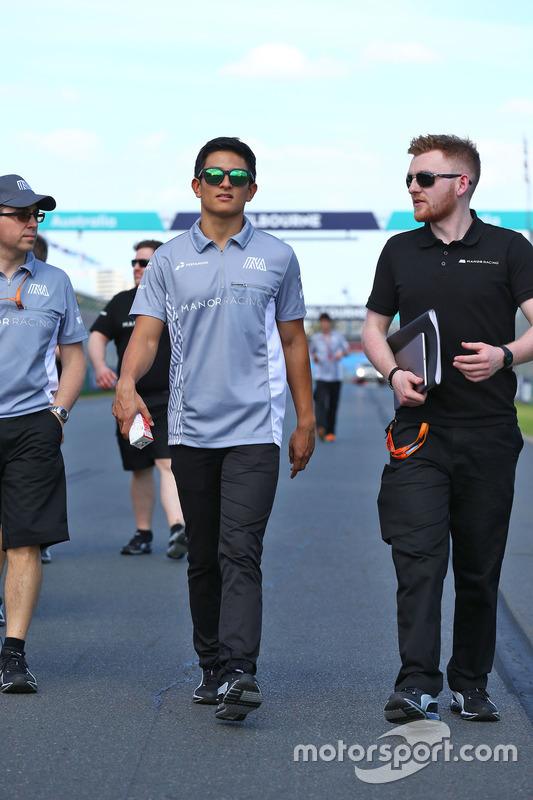 Rio Haryanto, Manor Racing maakt wandeling op het circuit met het team