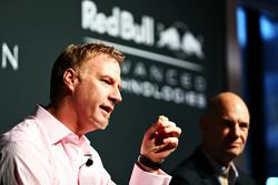 Marek Reichman, Kreativ und Designdirektor Aston Martin; Adrian Newey, Chief Technical Officer Red B