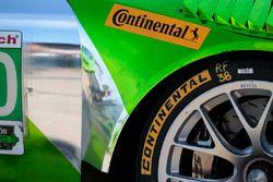 Detalle de neumáticos continental