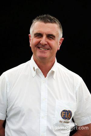 آلان دونيللي، أحد الحكام لسباق أستراليا