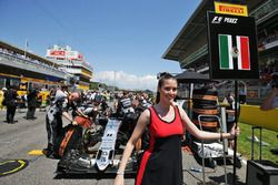 Grid girl for Sergio Perez, Sahara Force India F1 VJM09