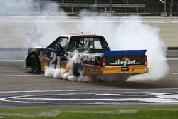 Race winner Johnny Sauter, GMS Racing Chevrolet