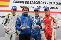 Podium: ganador, Colton Herta, Carlin Motorsport; segundo, Ferdinand Habsburg, Drivex School; tercer