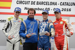 Podium: Race winner Colton Herta, Carlin Motorsport; second place Ferdinand Habsburg, Drivex School; third place Leonardo Pulcini, Campos Racing with Trevor Carlin