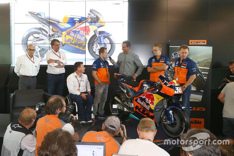 Présentation de la MotoGP 2017 de KTM