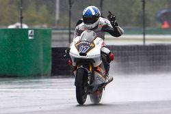 Ganador de la carrera John McPhee, Peugeot MC Saxoprint