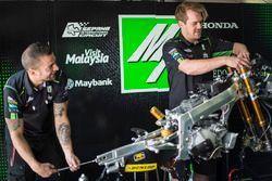 SIC Racing Team mekanikeri