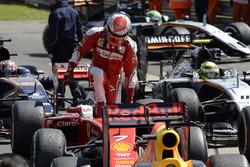 Kimi Raikkonen, Ferrari SF16-H dans le parc fermé