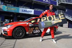 Polesitter Pepe Oriola, Team Craft-Bamboo LUKOIL, SEAT Leon