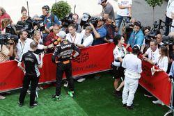 Нико Росберг, Mercedes AMG F1 и Фернандо Алонсо, McLaren со СМИ