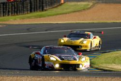#50 Larbre Competition Chevrolet Corvette C7-R: Yutaka Yamagishi, Pierre Ragues, Jean-Philippe Bello