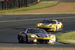 Ютака Ямагиши, Пьер Раг и Жан-Филипп Беллок, #50 Larbre Competition Chevrolet Corvette C7 Z06
