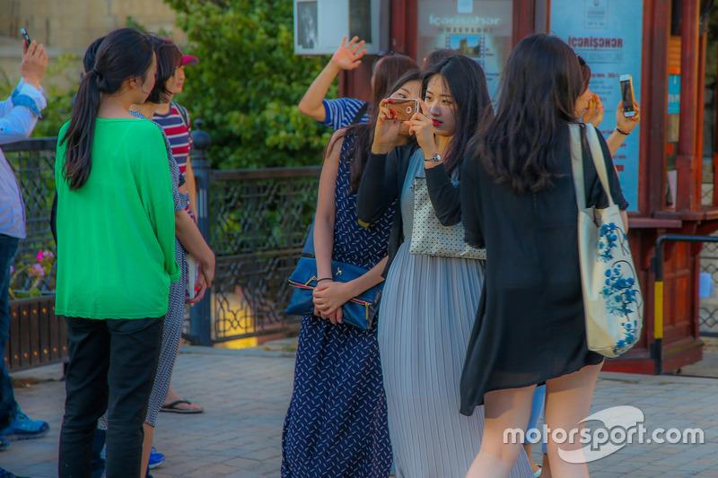 Туристи в Баку