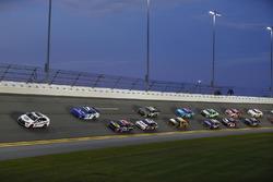 Restart: Elliott Sadler, JR Motorsports, Chevrolet, führt