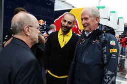 Cyril Abiteboul, Renault Sport F1 Director de manejo y Dr Helmut Marko, Red Bull Motorsport Consulto
