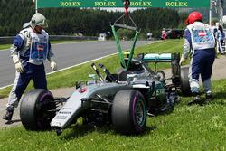La Mercedes AMG F1 W07 Hybrid de Nico Rosberg, après son accident