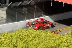 #99 Gainsco/Bob Stallings Racing McLaren 650S GT3: Jon Fogarty in trouble
