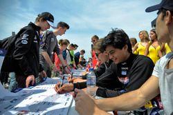 autograph session, Arjun Maini, ThreeBond with T-Sport Dallara F312 – ThreeBond