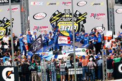 Elliott Sadler, JR Motorsports Chevrolet race winner