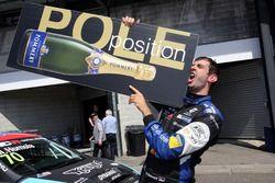Ganador de la pole Dusan Borkovic, B3 Racing Team Hungary, Seat León TCR
