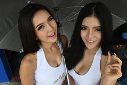 Lovely Wow Digit grid girls