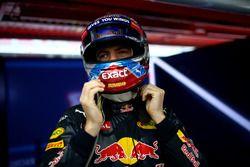 Max Verstappen, Red Bull Racing prepares in the garage