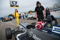 Pedro Piquet, Van Amersfoort Racing Dallara F312 – Mercedes-Benz, Grid girl