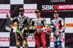 Podium : le deuxième, Kenan Sofuoglu, Puccetti Racing Kawasaki, le vainqueur Jules Cluzel, MV Agusta et le troisième, P.J. Jacobsen, Honda WSS Team