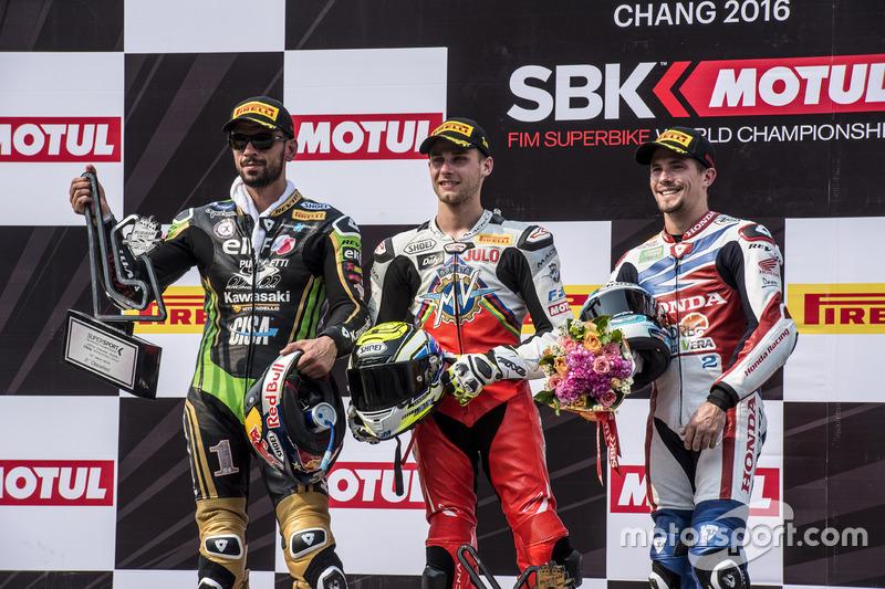 Podio: il secondo, Kenan Sofuoglu, Puccetti Racing Kawasaki, il vincitore Jules Cluzel, MV Agusta e