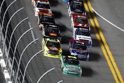 Johnny Sauter, GMS Racing Chevrolet mène